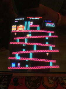 Donkey Kong's iconic first level.